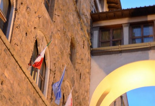 "Visit the Vasari Corridor the ""Secret Passage"" of the Medici in Italian"