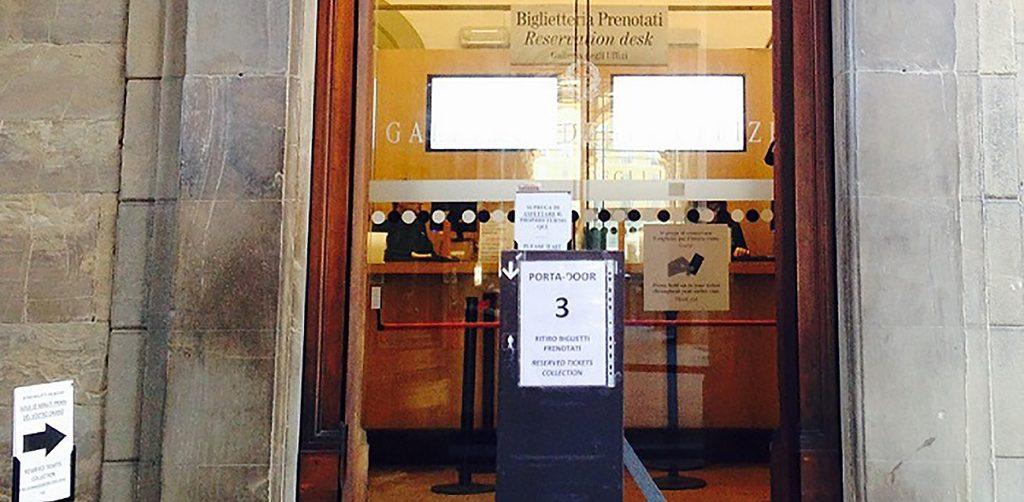La Porta Numero 3 della Galleria degli Uffizi a Firenze