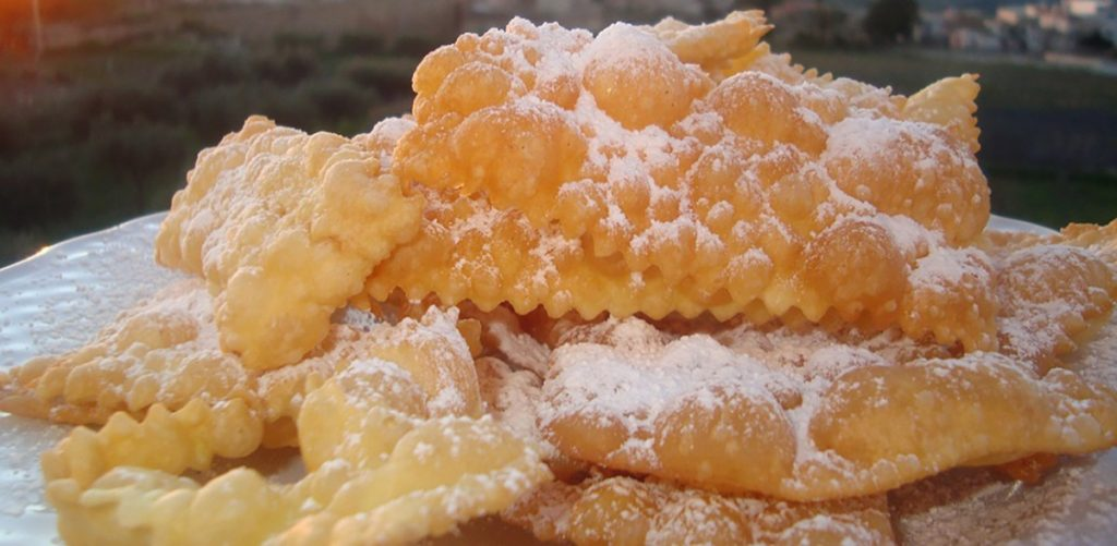 "Cenci Carnival sweets are also called ""chiacchiere"""