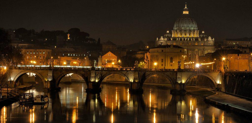 Tour Guidato Roma Illuminata – Misteri e Leggende
