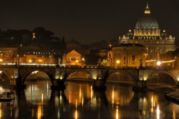 Guided Tour Illuminated Rome - Mysteries and Legends